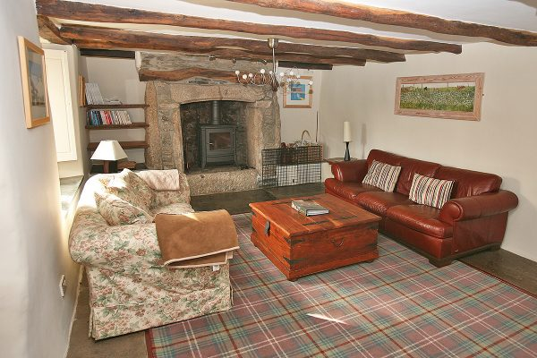 Farmhouse - Dog Friendly Cottage at Helsbury Park